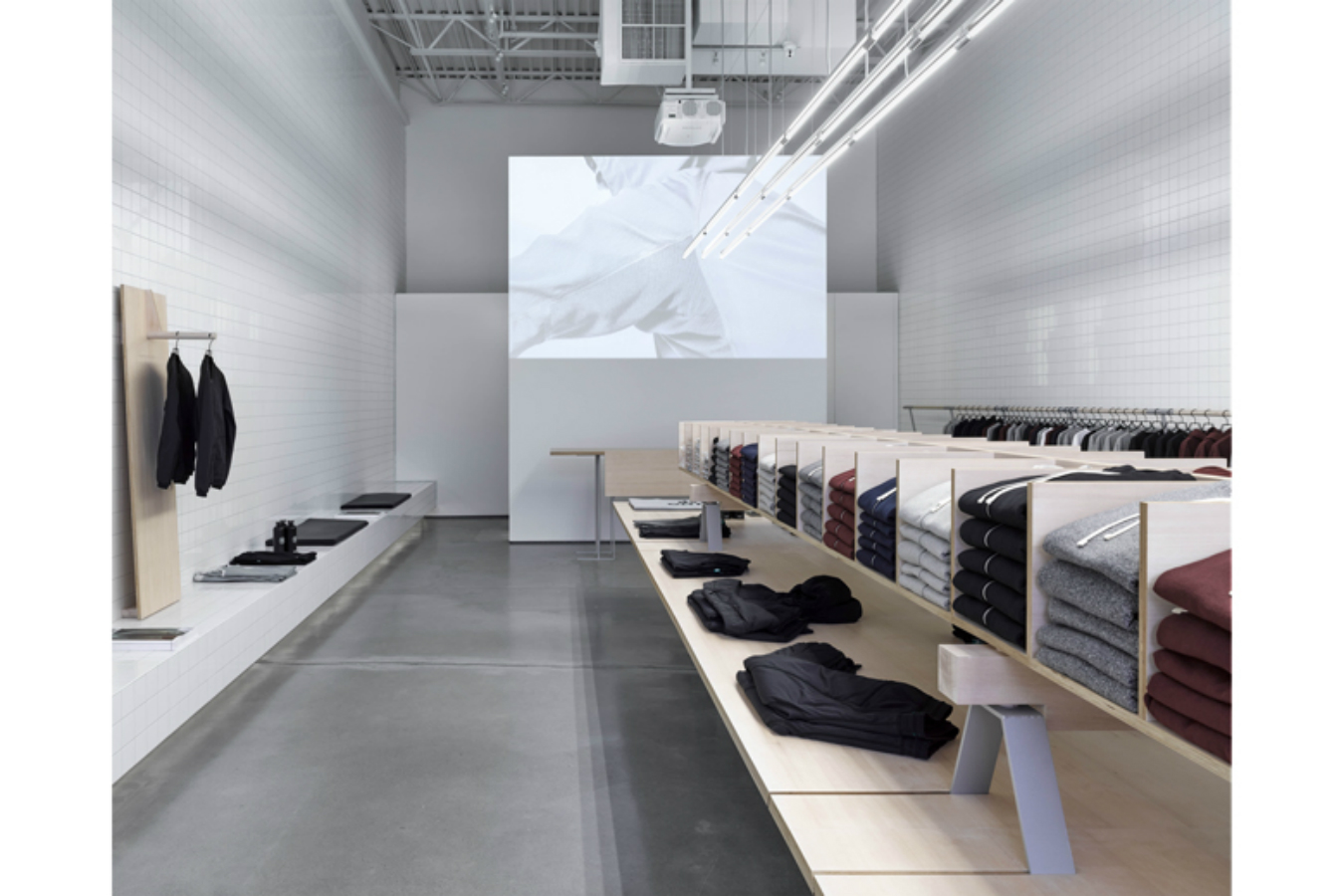 ee845b30382 Reigning Champ Vancouver Flagship