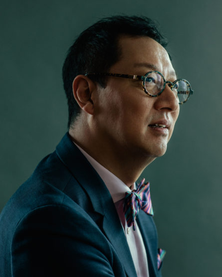 For Santa Ono, Social Media is a Way to Connect With Students